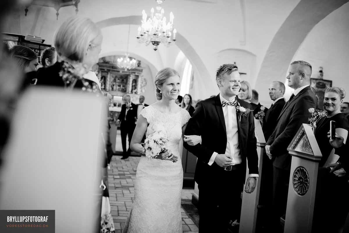 Vielsen starter med at præsten holder en tale til jer som brudepar,