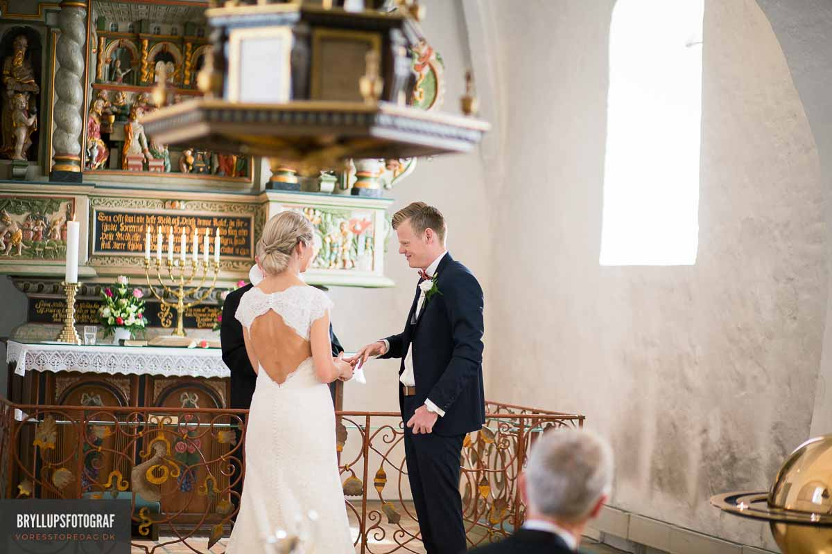 Alle kommende brudepar i Vadum Kirke bliver inviteret til en samtale med præsten