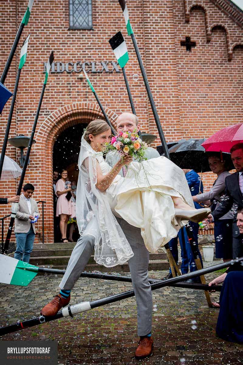 glad gom og brud Vedbæk Kirke