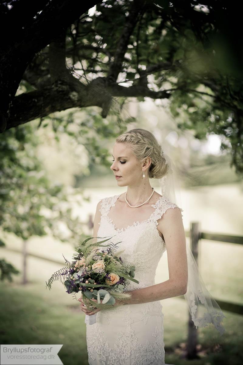 brud i brudekjole København