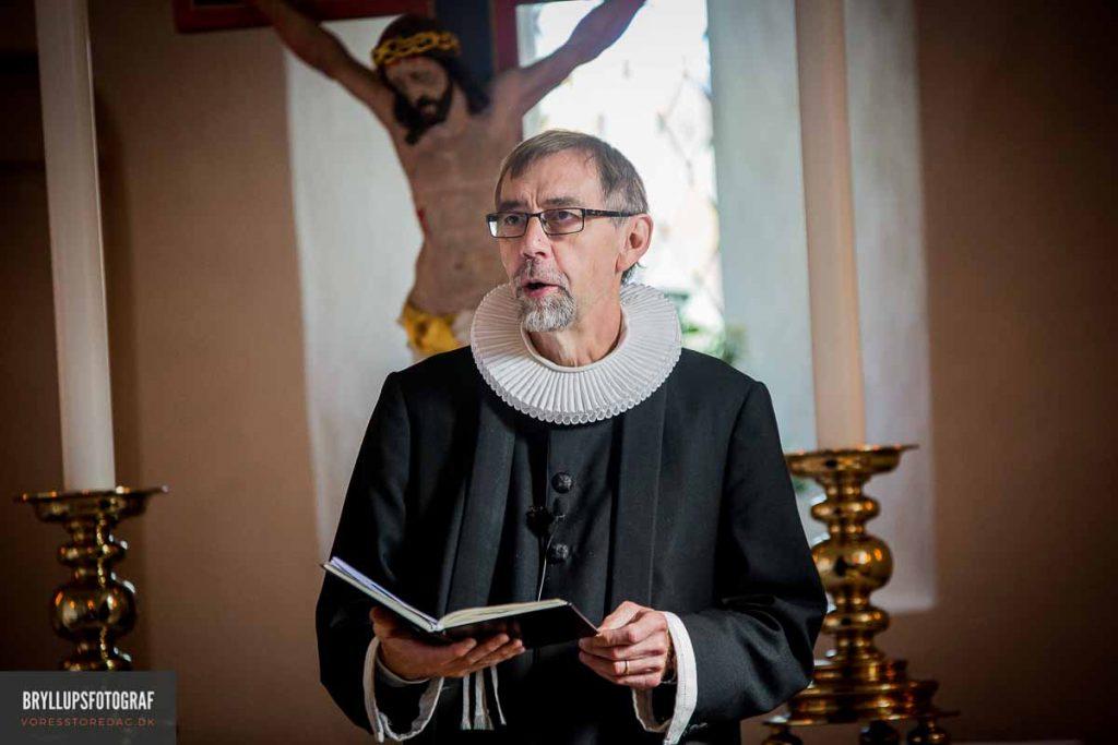 greve kirke præst bryllup