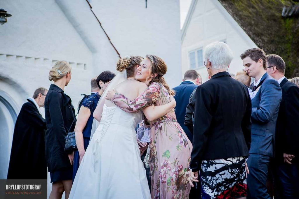 flotte bryllupsgæster greve kirke