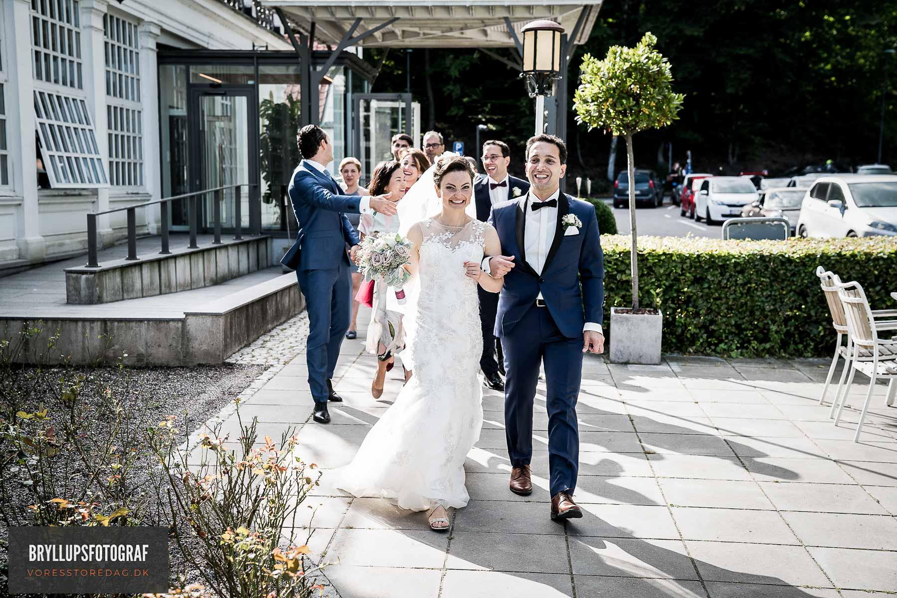 brudepar ankommer til varna