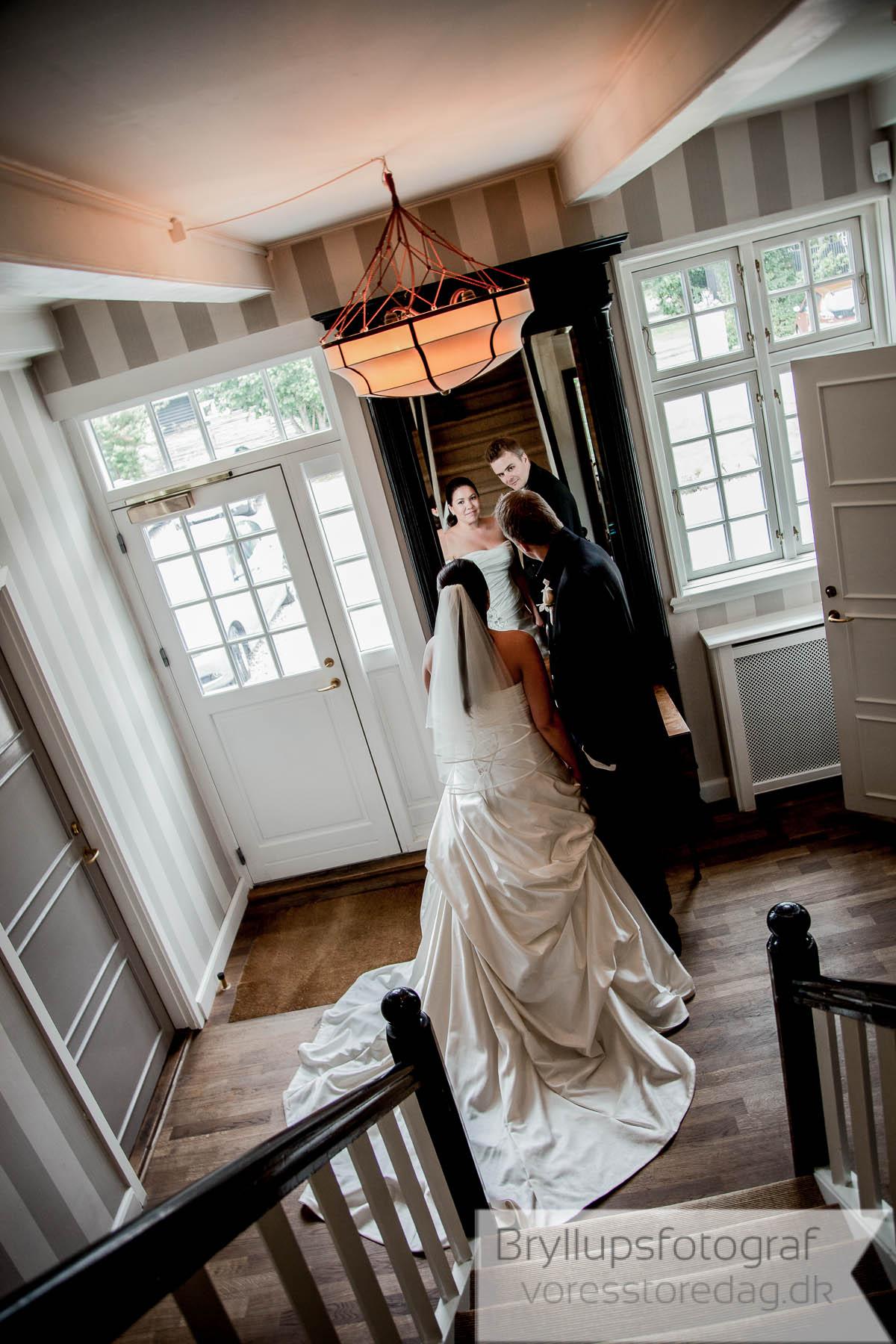 bryllupsfoto ved brudepar Helenekilde badehotel